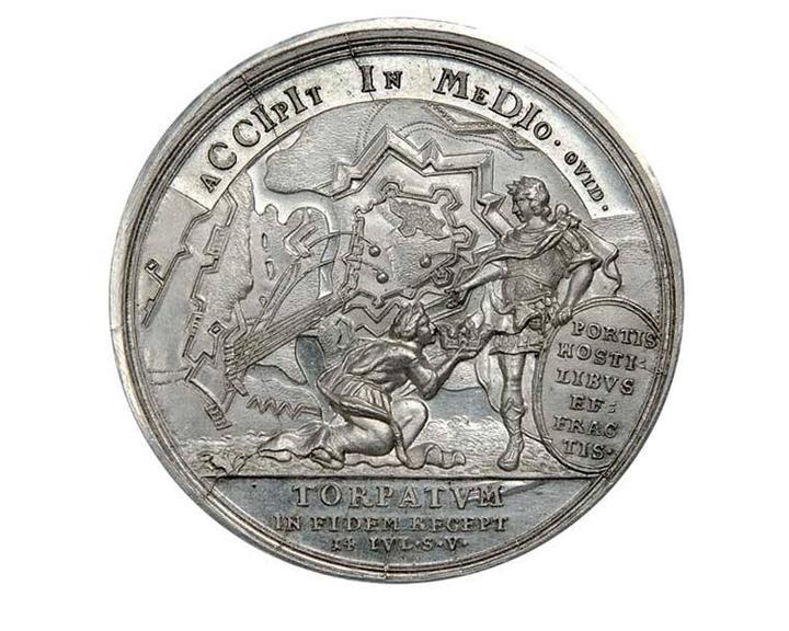 Nastolnaya-medal-Na-vzyatie-Derpta-1704g (1)